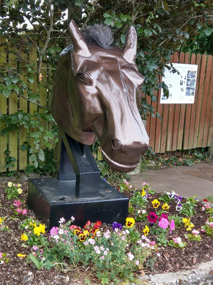 Drumcree Sculpture in Pride of Place